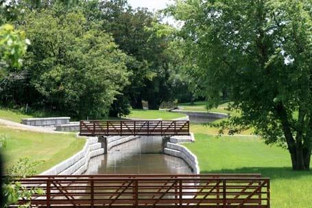 Bridges in Gardenn - Eagle West Cranes